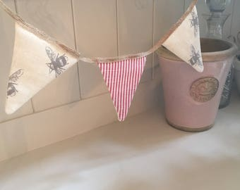 Mini french rustic style bunting