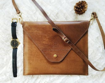 Women's adjustable side bag in Horween leather