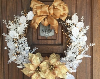 White Winter Wreath, White Christmas Decorations, Front Door Winter Wreath, White and Bronze Holiday Decor, Christmas Outdoor Decorations