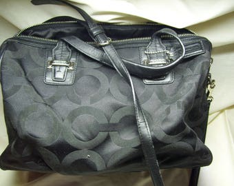 coach gray purse thil  Authentic Coach Handbag Purse Shoulder Bag like new