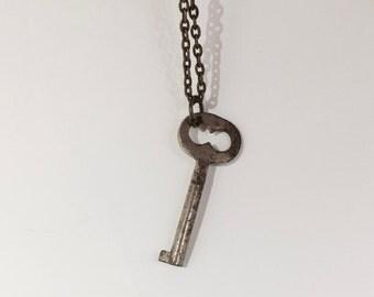 """Vintage Key Pendant Antique 18"""" Chain"""
