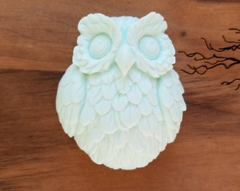 Adorable Owl Soap Favor / Gift - Set of 8 - you choose scent and color