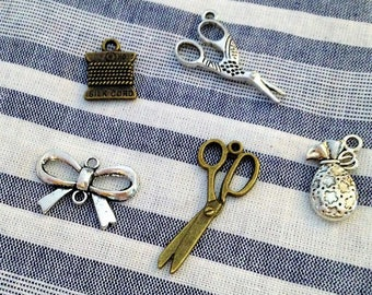 """""""haberdashery"""" batch consisting of 2 scissors, 1 reel, 1 Award and 1 connector BowTie, silver and bronzes"""