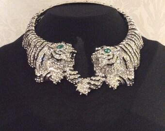 Extravagant green eyes bling rhinestone clear back silver animal bib choker necklace fashion trending.
