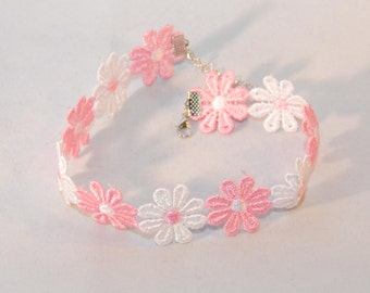 Choker Necklace Daisy Flowers Pink and White