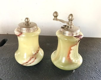 Vintage salt and pepper set made of Amber from the thirties