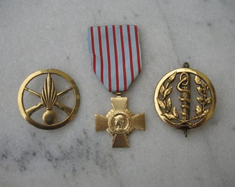 A Good French Military Medal WW2 + Two Cap Badges