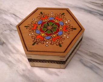 Wooden box, Painted box, Burned box, Wooden box with lid, Jewelry box, Wood Box