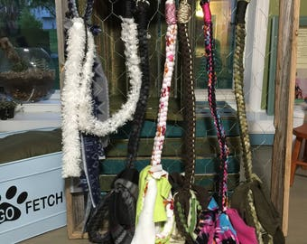 Fleece dog tug leashes