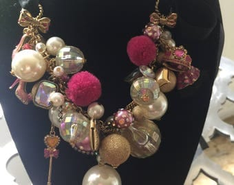 Betsey Johnson prom queen pearl necklace
