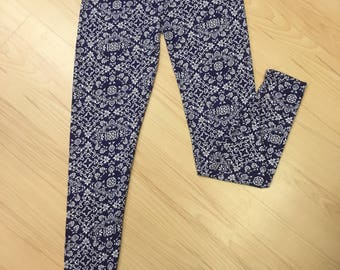 Flower Power Blue Leggings.
