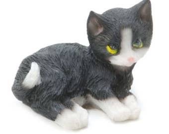 Dollhouse Miniature Fairy Garden Black and White Cat