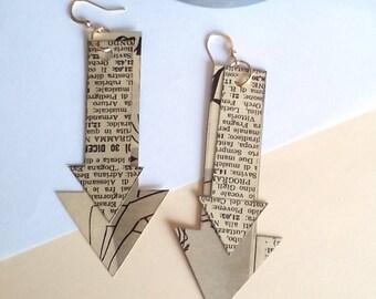 Paper earrings / arrows / vintage newspaper