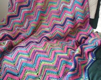 Soft Reversable Zigzag Blanket