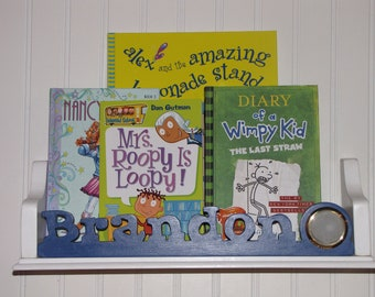Kids bookshelf, Kids book shelf, Personalized shelf, Kids shelf, Child shelf, Child bookshelf, scroll saw, wall shelf, floating bookshelf