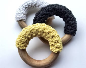 Baby teething ring - knitted organic cotton - handmade wooden toy - baby shower gift - newborn present