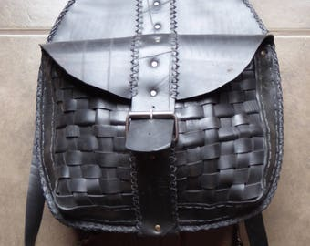 Backpack in recycled tire