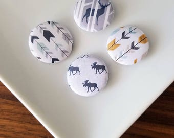 Moose and Arrows 4 piece pin/magnet set