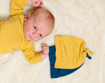 Knotted newborn beanie
