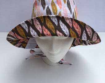 Hat reversible Sun for baby/child in cotton print-feathers
