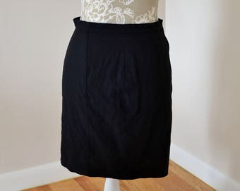 Thierry Mugler Paris black high waisted fitted mini skirt, size s, small, made in France, Fr 40.