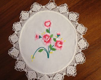 Vintage hand embroidered doily, 22 cm, two tone pink roses