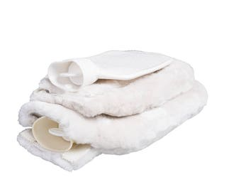 Large hot water bottle with lambskin cover: natural product. Lambskin sleeve lambskin cover