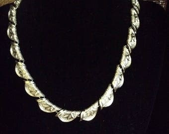 Scalloped Silver Choker with Branch Design