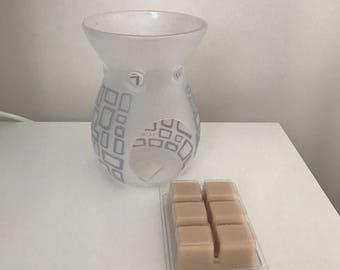 Wax Melt | Soy Wax | Handmade | Custom Made| Highly Scented | Cake Bake| Clamshell | 6 Melts