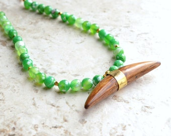 The Linley- Horn Pendant and Green Agate Long Necklace