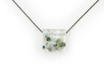 Emerald Eco-Resin Tumbled Stone Necklace
