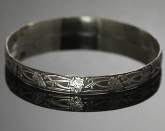 CLEARANCE. Sterling Silver Bangle Bracelet. Floral Pattern. Oxidized. Size Medium. Ready to Ship. s13b002