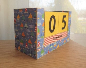 Perpetual Wooden Block Calendar - Classic Cape Cod Summer - Sail Boats and Light Houses and Ocean Waves - Gifts for 20