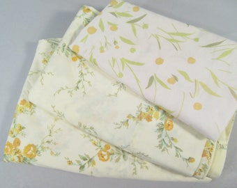 Vintage twin sheet set, twin bedding, flower sheets, floral sheets, pale yellow sheets, shabby chic bedding
