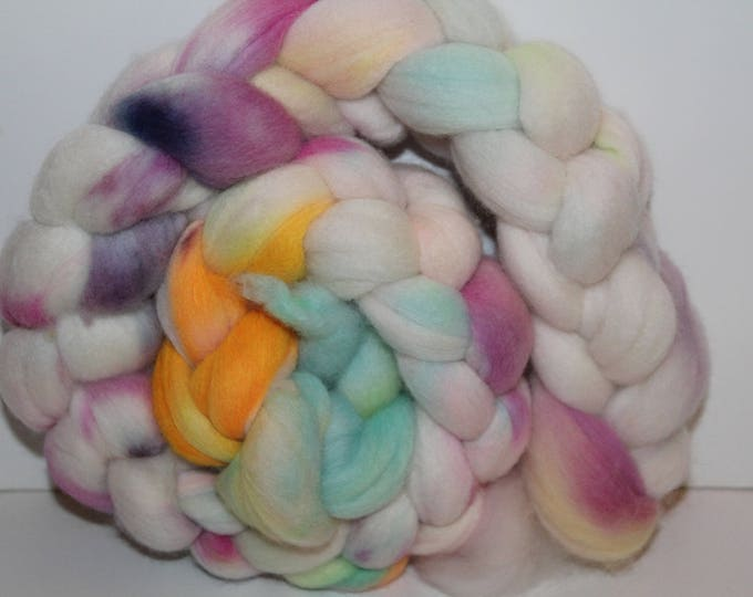 Kettle Dyed Merino Wool Top. Super fine. 19 micron  Soft and easy to spin. 4oz  Braid. Spin. Felt. Roving. M211