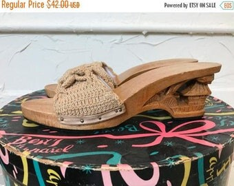 Fall sale 1940s shoes vintage sandals carved wood shoes wood sandals 1940s wedges vintage wedges size 7