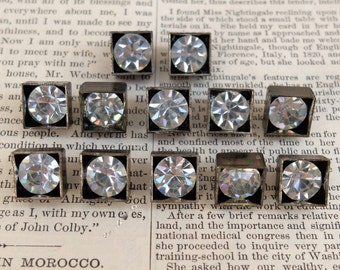 Vintage Buttons Rhinestone Solitaire