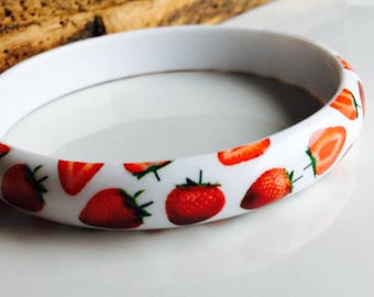 Vintage Strawberry Plastic Bangle, Vintage Bangle, Vintage Bracelet, Etsy, Etsy Jewelry, White and Red Bracelet