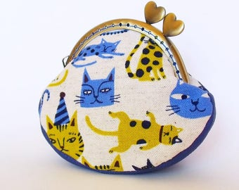 Cat coin purse, kiss lock frame with hearts, cotton and leather, blue and green, Japanese print - ready to post