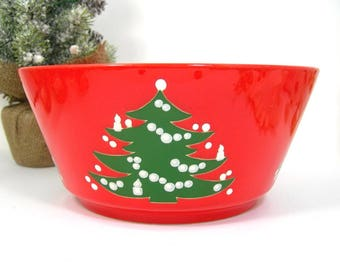 Christmas Tree Waechtersbach 7-7/8 Inch Vegetable Bowl, Red with Green Decorated Tree, Made in Western Germany, Vintage 1980s Holiday Table
