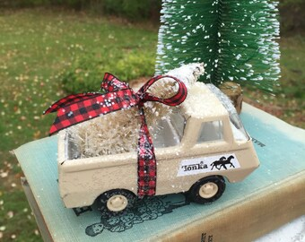 Vintage Tonka Horse Farm Truck - Decked out for Christmas in Winter White