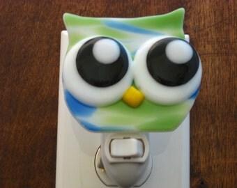 Fused Glass Owl Nightlight - Green and Blue Nightlight - Kids Night light - Nursery Lite - Nite-Owl