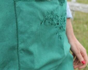 Vintage Tablecloth Crossback Apron - Forest Green
