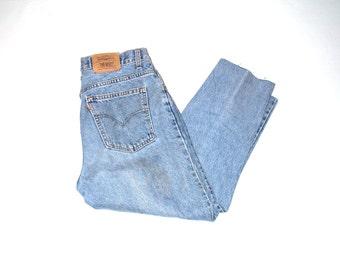 stone wash vintage levis jeans 90s grunge cropped levis mom jeans size 11