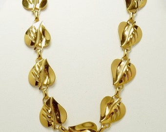 Mid Century Gold Tone Leaf Choker Necklace