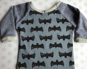 """Toddler """"Bat Man """" Raglan Shirt 18-24 month"""