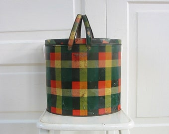 Vintage Metal Plaid Basket, Red Green Plaid Basket, Picnic Basket, Vintage Christmas Decor, Red Plaid Basket, Plaid Metal Box