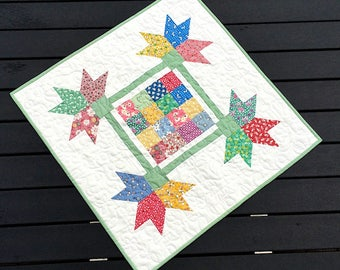 30's Table Topper/Wall Hanging