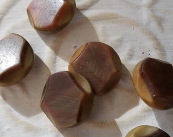 Vintage Buttons - Collector lot of 6 matching small 1940's  round small buttons, tan and brown carved vegetable ivory (feb 143 17)