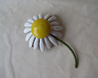 Flower Daisy Brooch Enamel Yellow White Vintage Pin Original by Robert